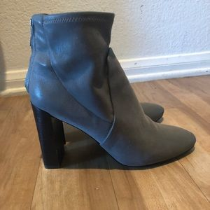 Banana Republic Shoes - Gray leather booties